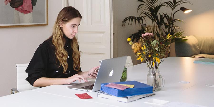 Serviços de assessoria pessoal virtual e multilíngue